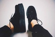 Basic but not so basic creepers for your not so basic outfit.How many creepers do you own?  @sherr_91