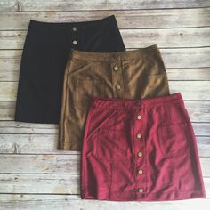 Olivia Button Front Skirt (Burgundy)