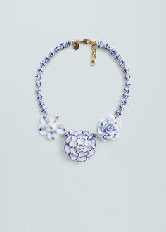Ceramic flowers necklace -  Women | MANGO USA
