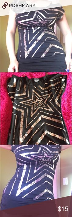 Star ⭐️ T shirt Black. T shirt with beautiful silver star ⭐️ Skirts High Low