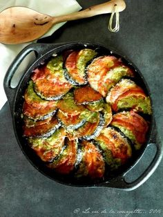 The Big Diabetes Lie Recipes-Diet - Gratin aubergine et tomate au pesto Plus - Doctors at the International Council for Truth in Medicine are revealing the truth about diabetes that has been suppressed for over 21 years. Veggie Recipes, Vegetarian Recipes, Cooking Recipes, Healthy Recipes, Fat Loss Diet, Paleo Diet, Cooking Time, Good Food, Food And Drink