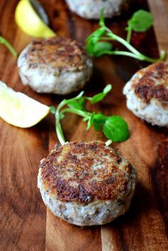 Low Carb Recipes To The Prism Weight Reduction Program Sardine Fish Cakes - Made With Tinned Sardines, These Light And Delicate Fish Cakes Are A Great Way To Include Fish In A Frugal Diet. Sardine Recipes, Fish Recipes, Seafood Recipes, Whole Food Recipes, Cooking Recipes, Family Recipes, Cooking Ideas, Fish Dishes, Seafood Dishes