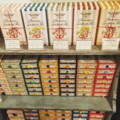 中野にある「OHASHI(オオハシ)」は日本茶の専門店なんです。このお店は日本茶でありながら、お店の雰囲気もお茶のパッケージも全て海外のものみたいでとってもおしゃれ♩贈り物にはピッタリの商品です。特に女子は喜ぶこと間違い無しです!