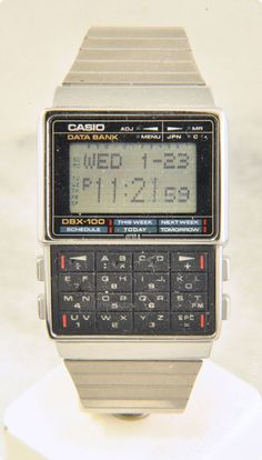 Whether it be performance or appearance, Casio Watches have it all. Knowing exactly what you want, some on-line research via the internet will help you locate the best prices. Retro Watches, Vintage Watches, Cool Watches, Watches For Men, Watches Photography, Old Computers, Face Design, Old Tv, Casio Watch