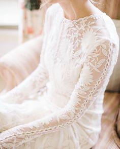 Elegance ✨ . . . . #lace #lovelace #elegant #longsleeve #boho #bohobride #2017bride http://gelinshop.com/ipost/1522651748485116164/?code=BUhi7KpFTEE