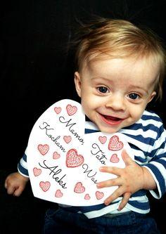 Kochający Aleksander z kartka walentynkową dla rodziców.