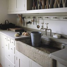 plain english kitchen Design ideas for utility rooms. Boot rooms, laundry rooms and flower rooms to style up the hardest working rooms in the house. Plain English Kitchen, English Kitchens, Mediterranean Kitchen Sinks, Kitchen Tiles, New Kitchen, Utility Room Designs, Butler Sink, Flower Room, Stone Sink
