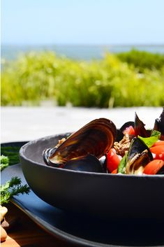 Expect outstanding views, a casual and relaxed daytime eatery in the harmonious Hermanus with outdoor covered seating areas. Visit the Moody Lagoon for your experience. Fresh Oysters, Seating Areas, Fine Dining, Delicious Food, Serving Bowls, Seafood, Restaurant, Casual, Outdoor