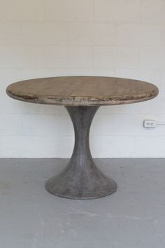 Numéro 4 Wood Dining Table with Concrete Base