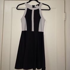Color block Dress Adorable color block mini dress! Back has cutouts and zipper. Dress is stretchy and extremely comfortable! No trades. Make offers using the offer button. Forever 21 Dresses Mini