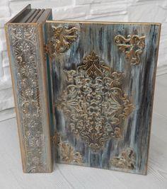 Cool Journals, Artist Journal, Decoupage Box, Altered Boxes, Journal Covers, Art Journal Inspiration, Bookbinding, Mixed Media Art, Book Art