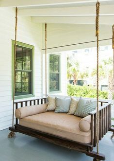 48 Amazing Southern Living Porch Swing Bed Ideas You'll Love - Craft Home Ideas Porch Furniture, Farmhouse Furniture, Furniture Plans, Home Office, Southern Living Homes, Southern Porches, Winter Home Decor, Disney Home Decor, Lounge
