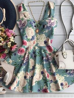 e11165efb3c Vintage Style Sweetheart Neck Floral Dress Cute Dresses