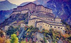 Il Forte di Bard è un complesso fortificato fatto riedificare nel XIX secolo da Casa Savoia sulla rocca che sovrasta il borgo di Bard, in Valle d'Aosta.