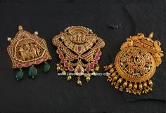 The showcase comprises of sacred Shiv Parvati gold pendant, beautifully crafted Vishnu gold pendant and a peacock design traditional gold pendant. Indian Jewellery Design, Latest Jewellery, Indian Jewelry, Jewelry Design, Gold Temple Jewellery, Real Gold Jewelry, Jewellery Box, Antique Gold, Antique Jewelry