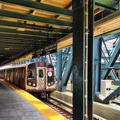 F train. Smith/9 St.