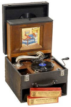 """Edison Bell Picturegram"""" Panorama Gramophone, 1924, made in England by """"Edison Bell Ltd. - London"""". The first audio-visual collector's item!"""