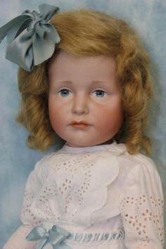 19-Inch-German-Bisque-K-R-034-Gretchen-034-114-Character-Doll- Kammer-amp-Reinhardt LOVE LOVE LOVE her face!