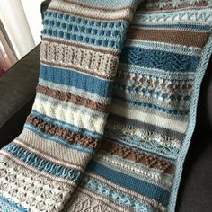 Double Trouble Crochet Blanket - Free Pattern Sure wish I could find this pattern in English.  I just love it!