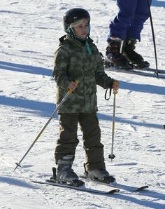Kingston Rossdale - Pregnant Gwen Stefani Takes Her Boys To Hit The Slopes