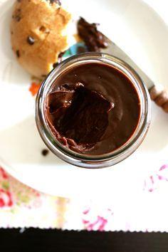 Pate a taritiner a tester !!! Lait de soja, chocolat noir et purée de noisette