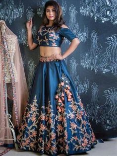 Bring home the best range of Bollywood Lehenga choli online in your favorite design and style. OrangeSell offers attractive discounts on Bollywood Lehenga choli online. Designer Bridal Lehenga, Pakistani Bridal Lehenga, Bollywood Lehenga, Designer Lehanga, Indian Lehenga, Designer Kurtis, Lehenga Choli Designs, Lehenga Choli Online, Blue Lehenga