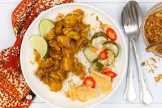 Ajam kerrie (Indische kip kerrie) Asian Recipes, Ethnic Recipes, Chana Masala, Bbq, Good Food, Food And Drink, Tasty, Sweet, Drinks