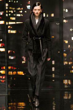 Donna Karan at New York Fashion Week Fall 2015 - Runway Photos Fashion Week 2015, Big Fashion, Runway Fashion, Fashion Models, Fashion Show, Autumn Fashion, Fashion Looks, Fashion Tips, Fashion Trends
