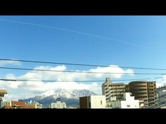 鹿児島市の空|雪化粧をした桜島と青空と流れる雲を タイムラプスで