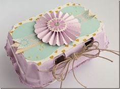 Anna Draicchio Easter Egg Box, using Sizzix dies including the Lovely Flower and the Tim Holtz Rosette Homemade Crafts, Crafts To Make, Crafts For Kids, Easter Gift, Easter Crafts, Easter Decor, Happy Easter, Egg Carton Crafts, Easter Baskets