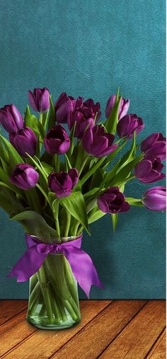 Flowers Simple DIY flower arrangement with just purple tulipsSimple DIY flower arrangement with just purple tulips Purple Flowers Wallpaper, Light Purple Flowers, Purple Tulips, Tulips Flowers, Beautiful Flowers, Tulips Garden, Diy Flowers, Purple Spring Flowers, Cactus Flower