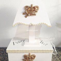 Mais detalhes do kit de higiene de princesa  #anababyatelie #anababydecor #kitdehigiene #kitdebebe #perolas #quartodobebe #decoracaopersonalizada #decoracaodemenina #babygirl #maedemenina #decoracaoprincesa #decoracaoprovencal