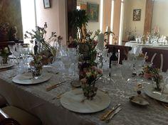 Disposición de mesa para cena formal