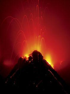 Volcano Erupting, Hawaii Volcanoes National Park, The Big Island of Hawaii. #volcano #hawaii