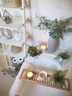 Quick & simple bathroom makeover - Using only accessories and artificial house plants. Bathroom interior inspiration for small homes. Decor plants Quick & simple bathroom makeover - Using only accessories Cosy Bathroom, Bathroom Plants, Bathroom Interior, Kmart Bathroom, Nature Bathroom, Bathroom Candles, Indian Bathroom, Bathroom Mat, Scandinavian Bathroom