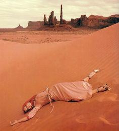 Jan Ward photo by Norman Parkinson, Monument Valley, Utah, 1971