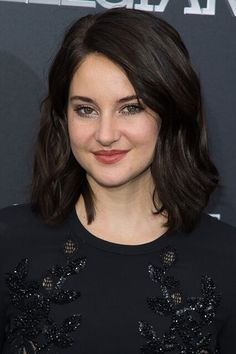 2016What can we say? We love everything about this actress's lob, including the new deeper tone, soft layers, and bendy waves. #refinery29 http://www.refinery29.com/2016/11/129495/shailene-woodley-hair-makeup-over-the-years#slide-26