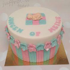 Geboorte / babyshower - Juffrouw taart winsum, gender reveal taart groningen www.juffrouwtaart.nl Babyshower, Gender, Decorative Boxes, Birthday Cake, Desserts, Cakes, Food, Baby Shower, Birthday Cakes