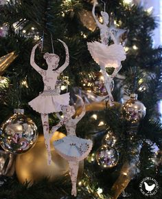 Ballerinas and Dancers Christmas ornaments, or possibly a sweet garland for the girls' room? Must do! Tutorial included.