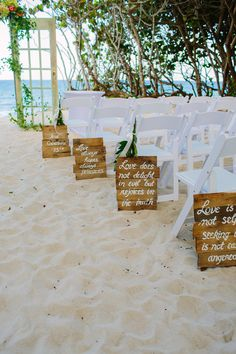 1 Corinthians 13 wooden sign aisle markers / photo by thebigdayblog.com