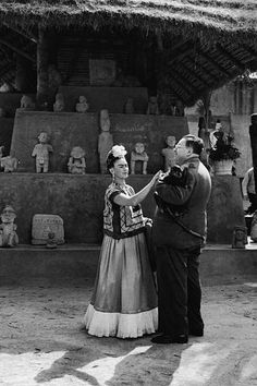 The Mexican artists were twice husband and wife – photographer Wallace Marly captures them here in 1944, during their second marriage