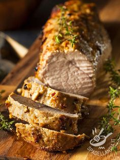 Crispy on the outside, juicy and tender on the inside, and amazing flavors make this the BEST baked pork tenderloin! After you fall in love with this BEST Baked Pork Tenderloin, don't forget to try… Pork Roast Recipes, Pork Tenderloin Recipes, Pork Loin, Meat Recipes, Cooking Recipes, Cooking Bacon, Paleo Recipes, Free Recipes, Dinner Recipes