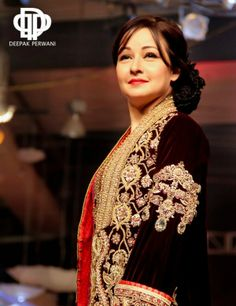 Zeba Bakhtiar In A Gorgeous Deepak Perwani Outfit Bridal Couture Week 2017