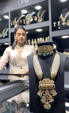 Indian Jewelry Earrings, Fancy Jewellery, Indian Wedding Jewelry, Royal Jewelry, Trendy Jewelry, Indian Bridal, Silver Jewelry, Pakistani Jewelry, Diamond Jewellery