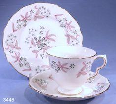 Colclough Adam Vintage Bone China Tea Cup, Saucer and Tea Plate Trio Pattern…