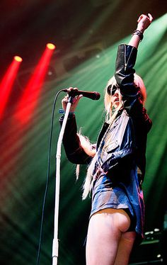 Taylor Momsen ✾ of The Pretty Reckless Taylor Momsen, Taylor Michel Momsen, Ladies Of Metal, Metal Girl, Paramore, Women Of Rock, Rocker Girl, Female Guitarist, Woman Crush