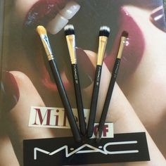 Mac brush bundle % Authentic Mac eye brush bundle. Only used a few times and always kept clean. Brush numbers 252 (yellow fiber) great for concelor or eye primers. 2 #287 duo fiber eye brushes. Great for blending and softening. And #213 brown brush great for the crease and lid. Separate each brush is $20. No trades MAC Cosmetics Makeup Brushes & Tools