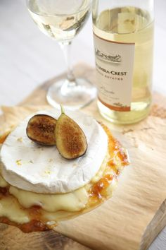 Brie and Figs paired with Moscato. Fontina cheese is phenomenal as well