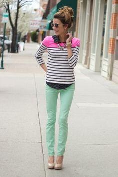 Mint farbene Hose, ein Hauch von Pink und Streifen #Outfit #Stripes #Mint