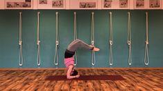 Von #sirsasana in #dwipadaviparitadandasana. #yogainspiration #asana #yogapraxis #yogaüben #backbends #inversions #yogakraftwerk #nicitannert